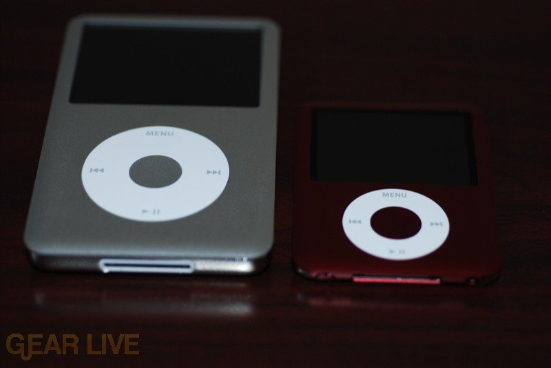 iPod nano to iPod classic size comparison