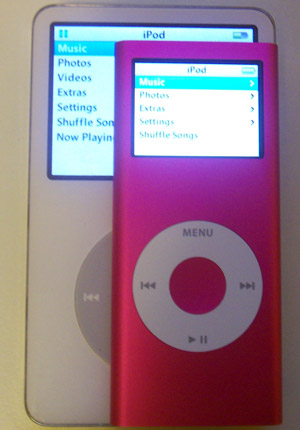 2G iPod nano on top of 5G iPod