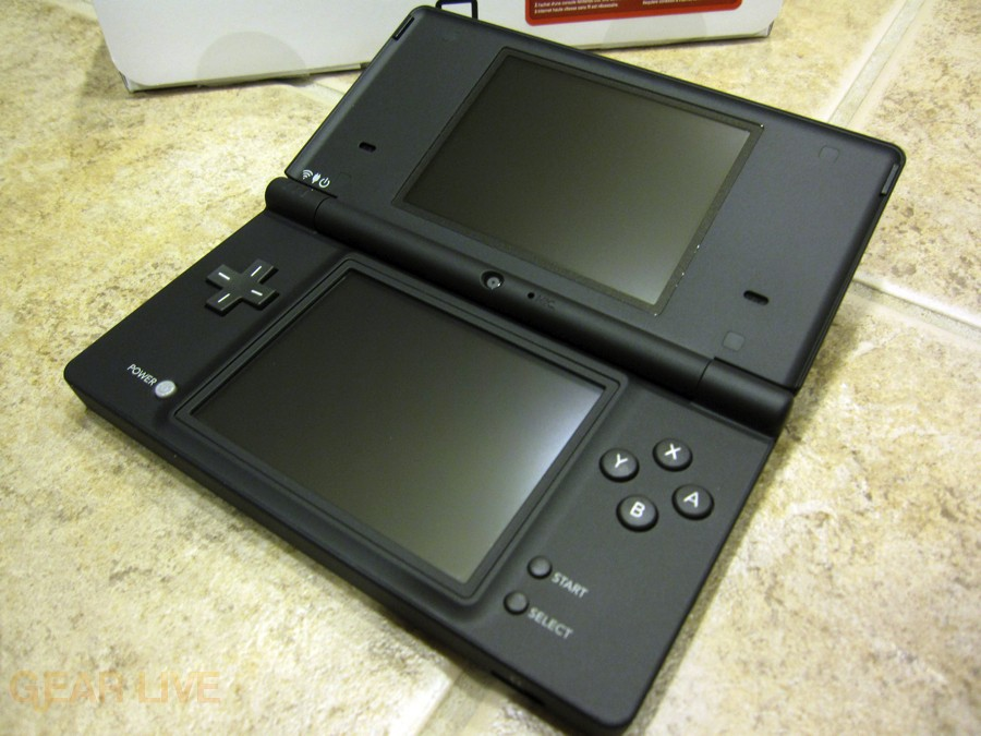 Nintendo DSi open
