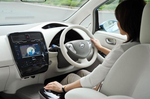 Nissan LEAF Drivers Side