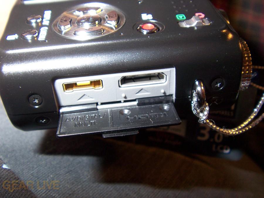 Panasonic Lumix ZS3 USB port
