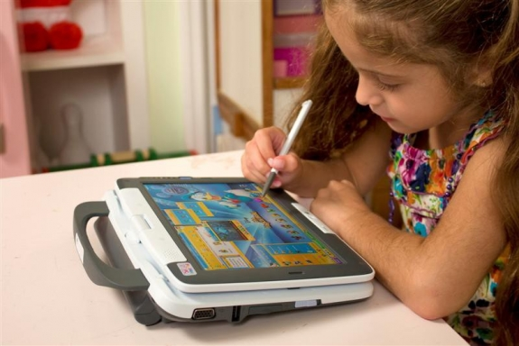 PeeWee PC Pivot Tablet for Kids 5