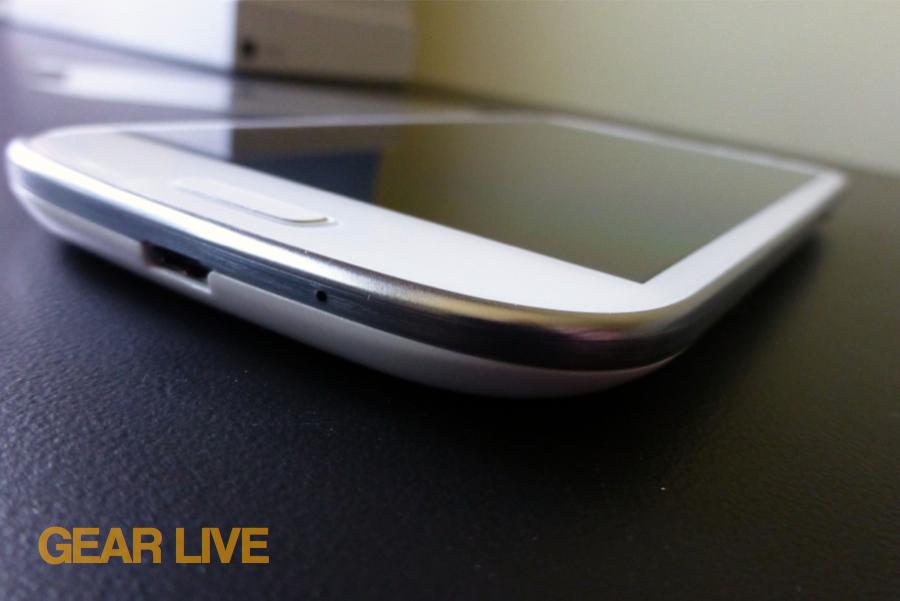 Samsung Galaxy S III dock port