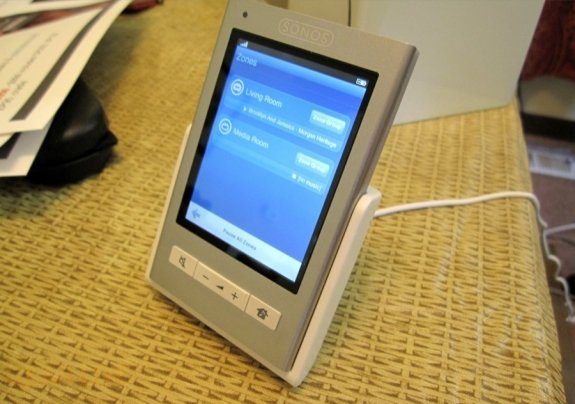 Sonos Controller CR200 in Dock
