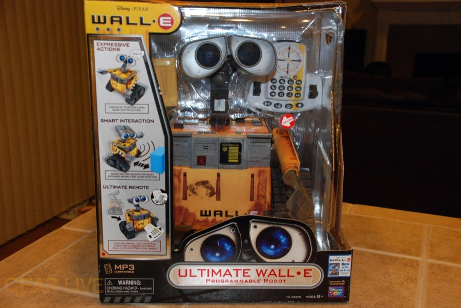 Ultimate Control Wall-E in box