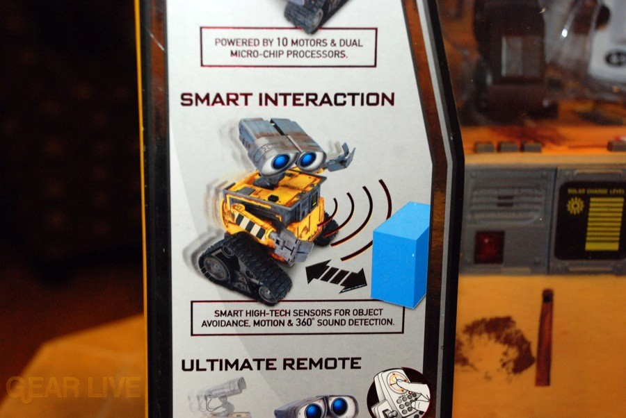 Ultimate Control Wall-E Smart Interaction