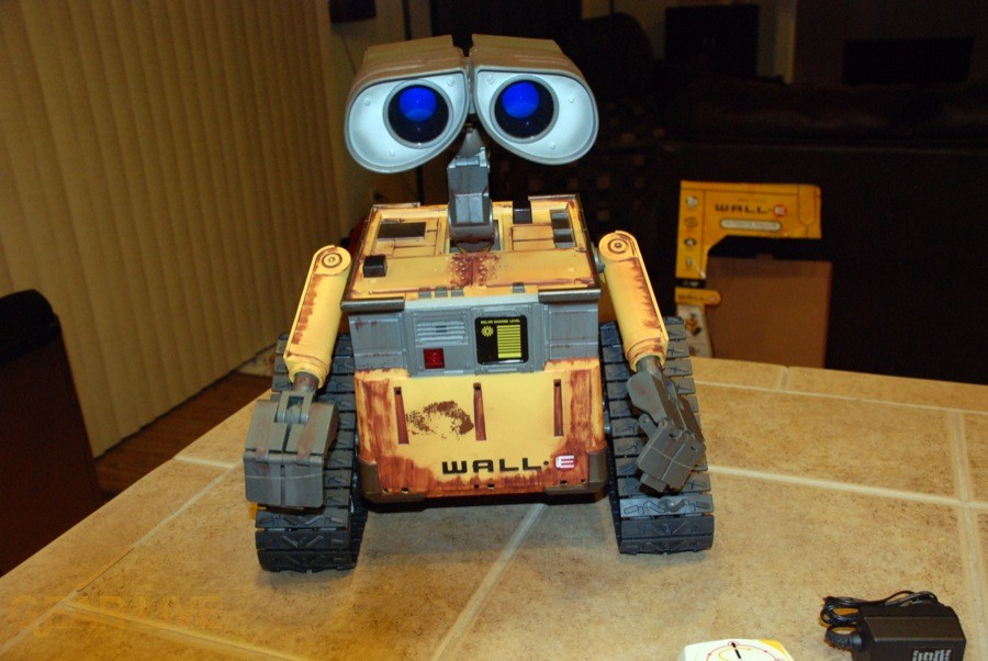 Ultimate Control Wall-E turned on