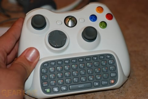 Xbox 360 Chatpad Connected to Controller