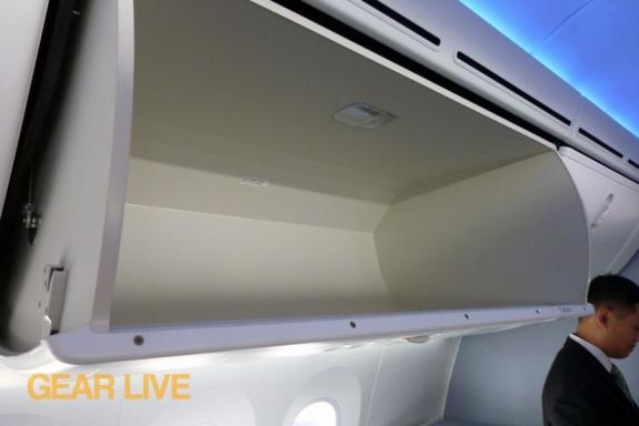 United Boeing 787 Dreamliner overhead bins
