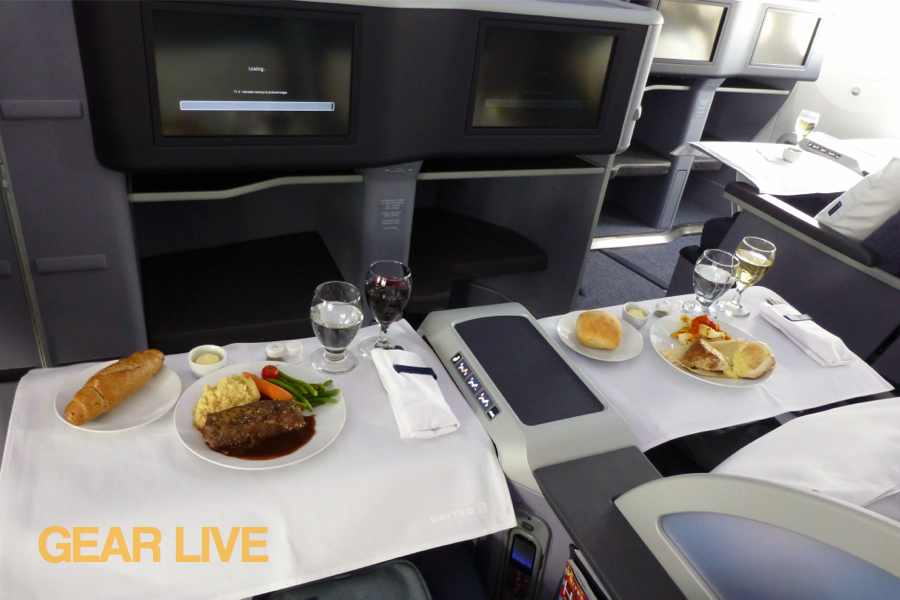 United Boeing 787 Dreamliner Food