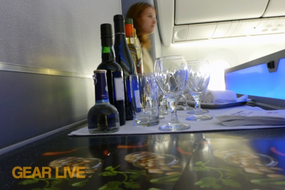 United Boeing 787 Dreamliner bar