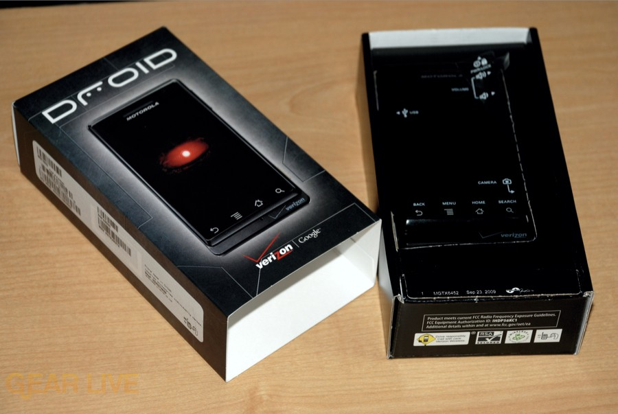 Motorola DROID box opened