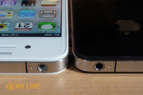 White iPhone 4 audio port vs black