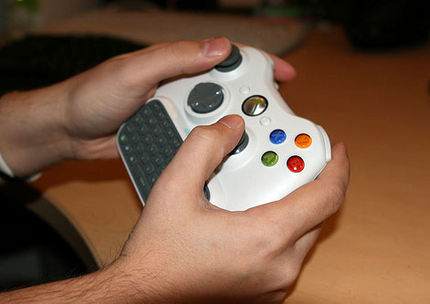 Using Xbox 360 Controller with Keyboard Attached
