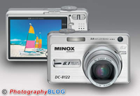 Super thin camera for everybody, the Minox DC 8122