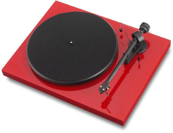 Pro-Ject Debut III turntabe record player