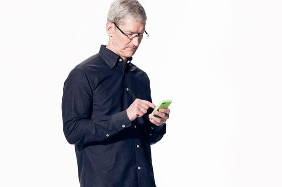 Tim Cook iPhone 5c