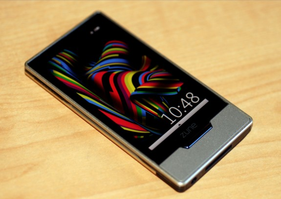 Zune HD OLED screen