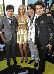 Jonas Brothers and Taylor Swift