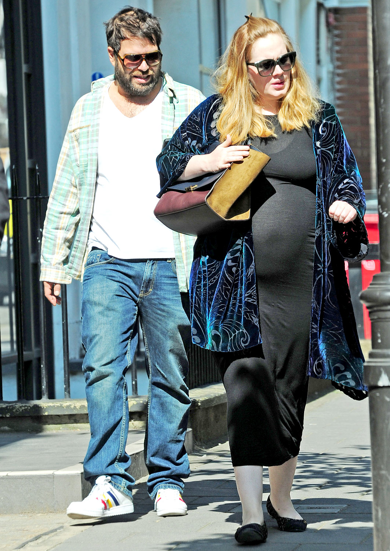 A pregnant Adele