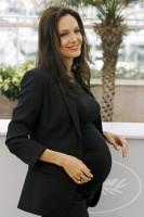 Angelina Jolie pregnant