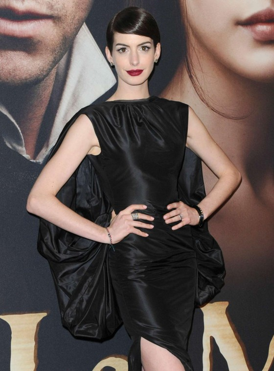 Anne Hathaway at a 'Les Miserables' premiere