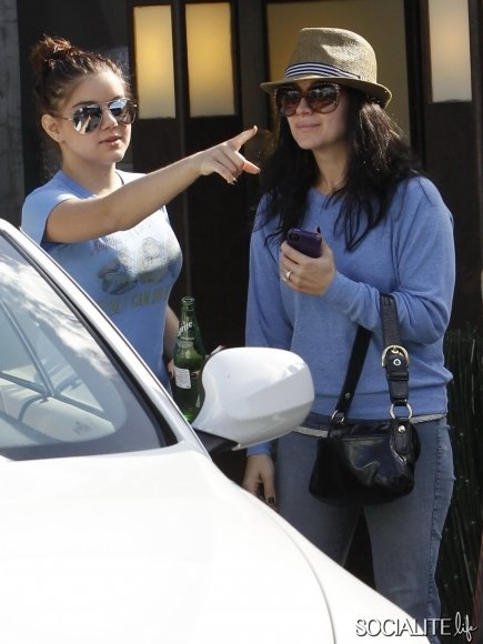 Ariel Winter and her sister Shanelle Grey