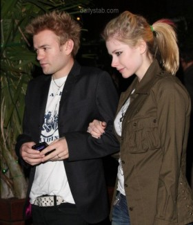 Sources say Avril and Deryck are headed for Splitsville