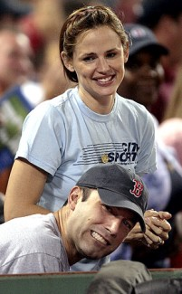 Jennifer Garner and Ben Affleck at a baseball game