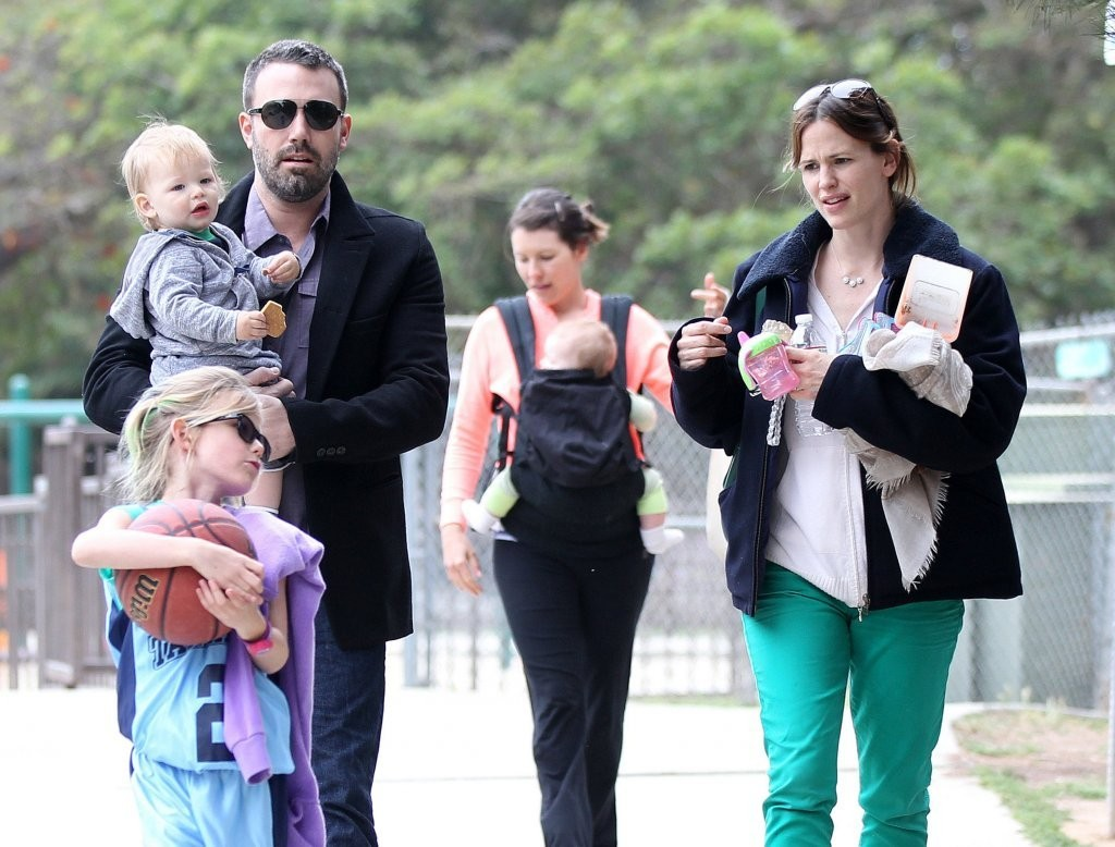 Ben Affleck with wife Jennifer Garner and their kids