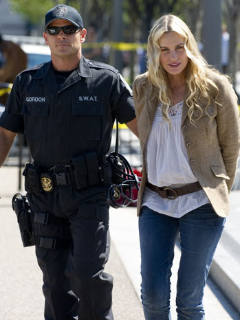 Daryl Hannah getting arrested