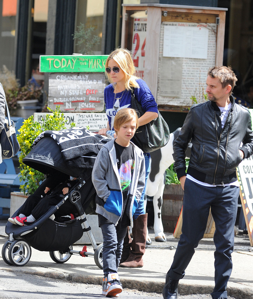 Kate Hudson and Matt Bellamy with their family