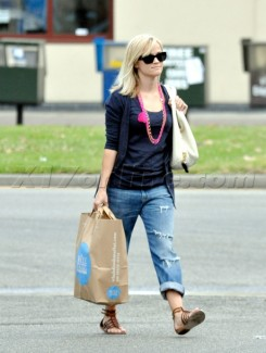 Reese Witherspoon does her grocery shopping at Whole Foods