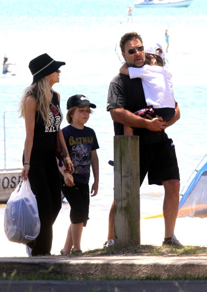 Russell Crowe with his wife Danielle Spencer and kids