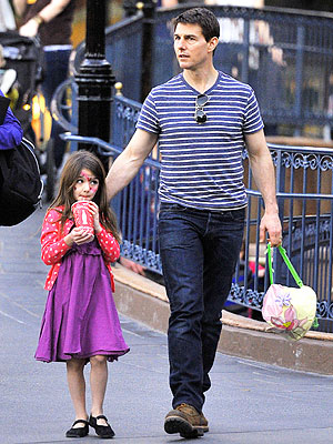 Suri and her dad Tom Cruise