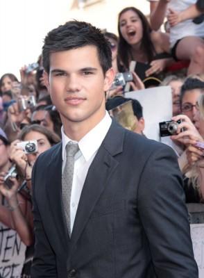 Taylor Lautner at Eclipse's L.A. premiere