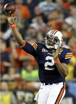 Cam Newton helps the Auburn Tigers defeat the Oregon Ducks