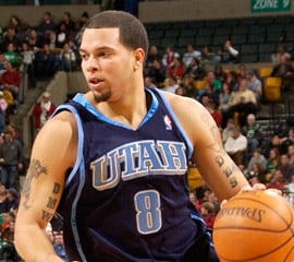 Deron Williams is traded to the New Jersey Nets