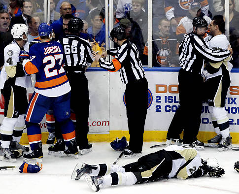 Islanders-Penguins