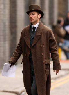 Jude Law on the set of the first Sherlock Holmes