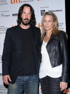 Keanu Reeves and Robin Wright