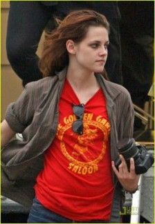 Kristen Stewart on set of Welcome to the Rileys
