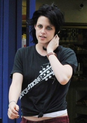Kristen Stewart as Joan Jett