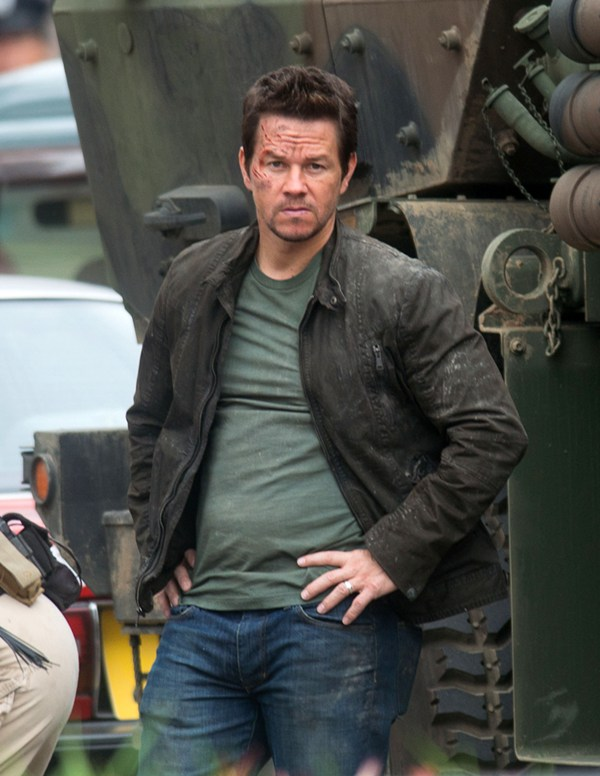 Mark Wahlberg on the set of 'Lone Survivor'