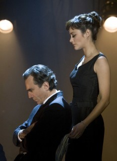 Daniel Day-Lewis with co-star Marion Cotillard in Nine