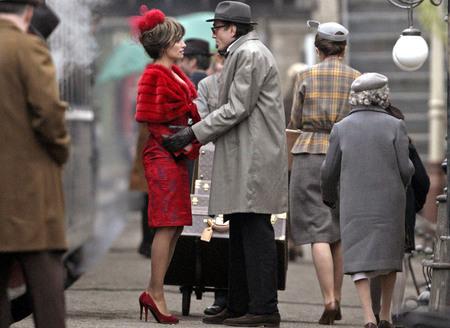 Penelope Cruz and Daniel Day-Lewis in Nine