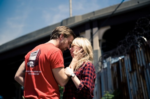 Ryan Gosling and Michelle William star in Blue Valentine