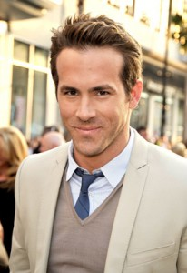 Ryan Reynolds cast as Hal Jordan/Green Lantern