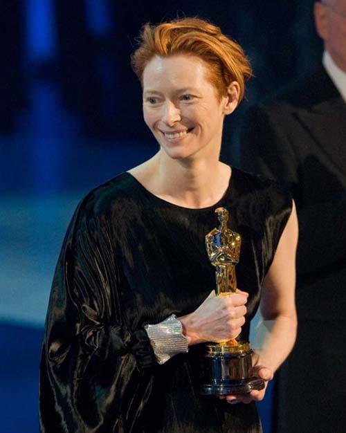 Tilda Swinton winning her Oscar
