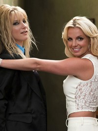 Britney and Brittany on the set of Glee